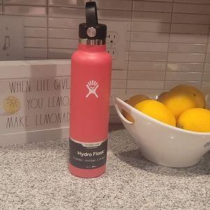NWT 24 oz  Hawaii Hydro Flask